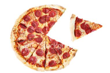 ist2_1626529-pac-man-pizza